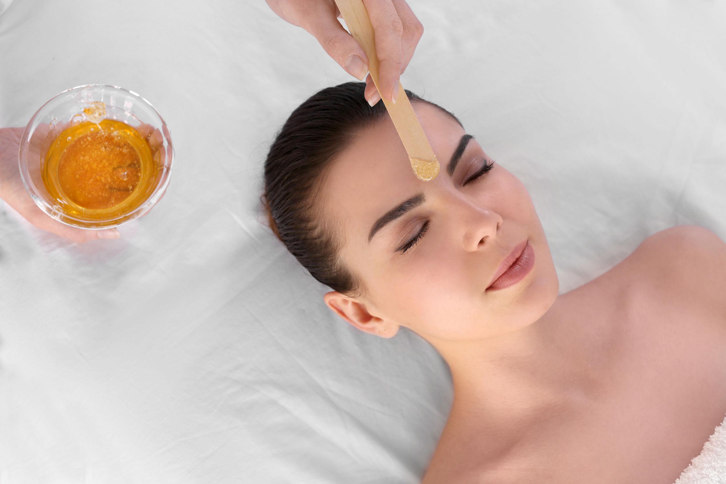 Facial Waxing/Tint/Henna